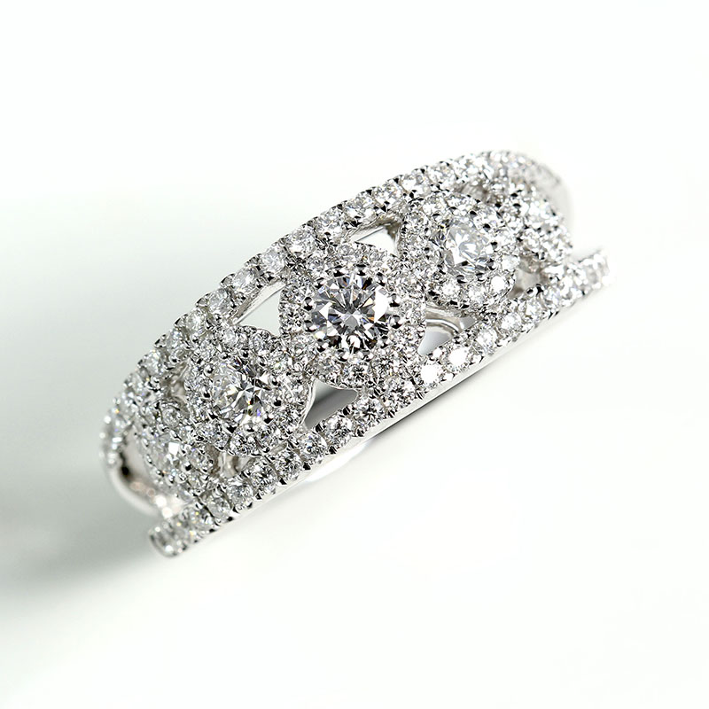 Band with Round Diamonds
