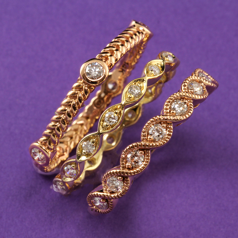 Stacking Twisted Diamond Bands